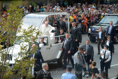 Pope Francis arrives at Independence Hall